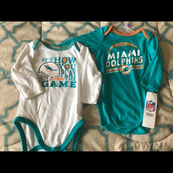 da310190 NEW NFL Miami Dolphins Onesie S-6-12 NWT